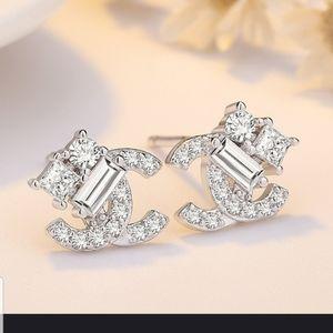 Very Pretty Double C Dainty earrings in SILVER